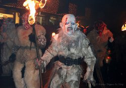 Krampus in processione