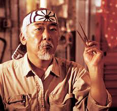 Pat Morita in una scena del file The Karate Kid - Per vincere domani (John Avildsen, 1984)